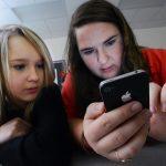 手機社媒通知 學生焦慮主因 有人1 小時收近150則