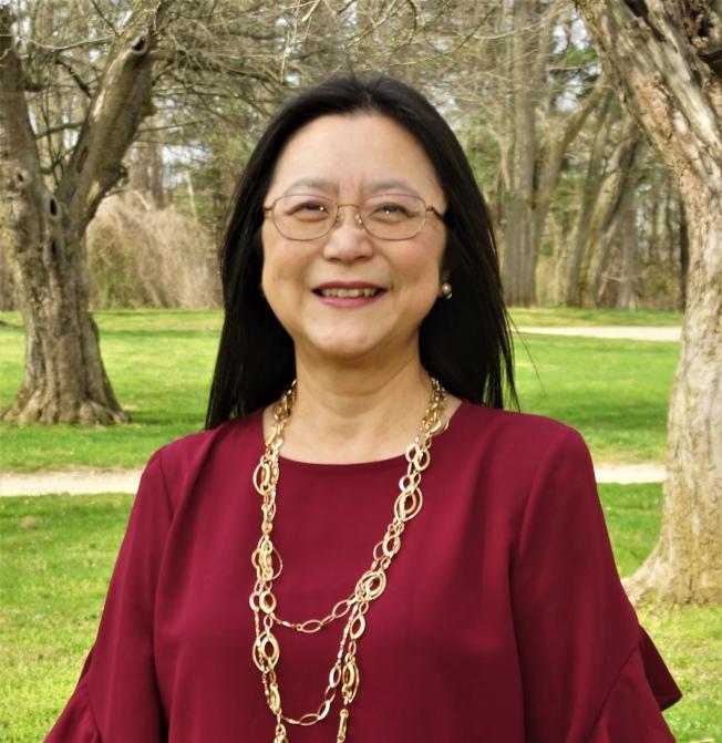 劉鄭瓊英在初選中獲勝,將成含德首位亞裔女市委員。(劉鄭瓊英提供)
