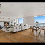 六人行製作人布萊特 海邊豪宅開價1399萬