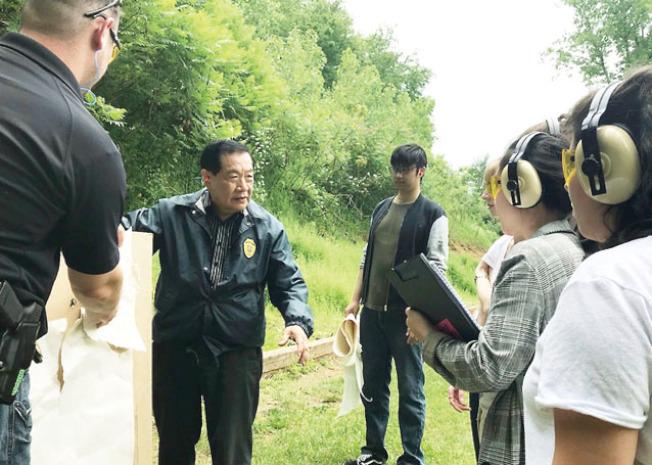 飛來舊金山的前一天,李昌鈺在康州為執法人員提供訓練。(李昌鈺提供)