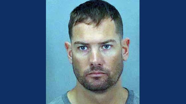 涉嫌在網上與未成人談論性話題被捕的聖馬刁市警員戴維斯。(聖荷西警方提供)