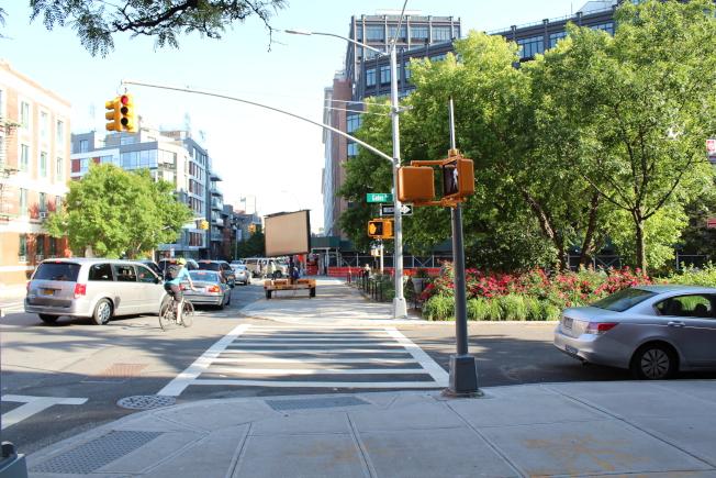 Vanderbilt大道444號將建七棟相連的三層連排屋。(記者劉大琪/攝影)