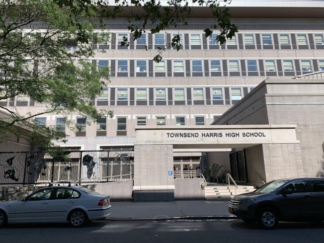 法拉盛的湯森哈里斯高中獲評大紐約地區最佳高中第一名。(記者劉大琪/攝影)