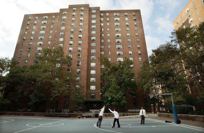 分析發現,紐約租金管制的最大得益者,不是紐約市的低收入租戶,而是曼哈頓的富裕白人住客。圖為曼哈頓的公寓。(Getty Images)