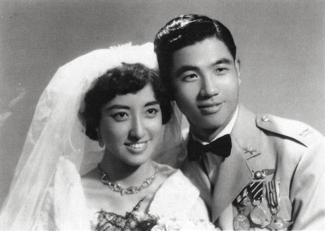 張立義、張家淇的結婚照,1956年。(圖:楊佈新提供)