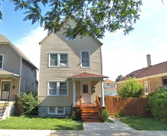 芝加哥草地區是芝加哥市77社區中,首季房市表現達回暖標準兩區的其中一區,儘管如此,這個位於61st Place的獨棟屋仍三個多月才降價賣出。(Google街景圖)