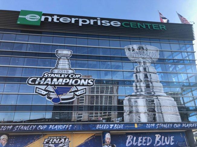 聖路易藍調隊贏得冰上曲棍球年度總冠軍。(藍調隊官方臉書)
