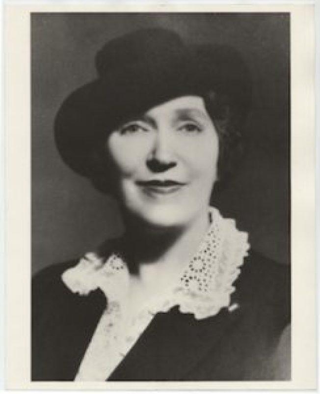 花了62年推成立父親節的杜德夫人。(YMCA檔案)