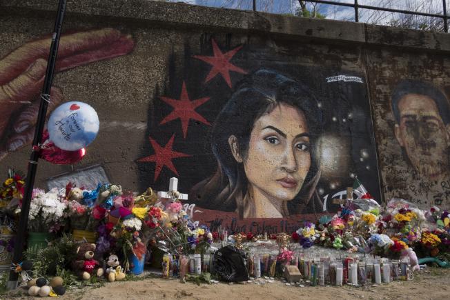 19歲的孕婦歐秋亞-羅沛茲遇害後,當地居民畫了壁畫追悼她。(美聯社)