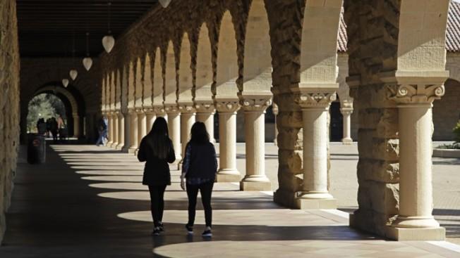 史丹福一年學費要5萬3000元,但校方給學生的經濟援助,大大減輕學費的壓力。(Getty Images)