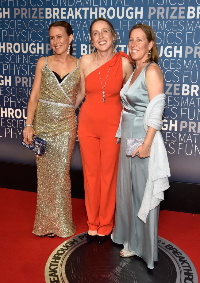 沃西基三姊妹( 從左至右)安、珍妮特和蘇珊,都在競爭激烈、男性主宰的專業裡出人頭地。(Getty Images)