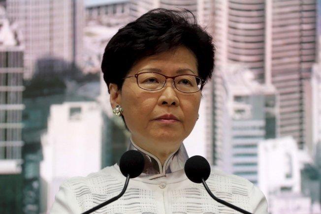 香港特首林鄭月娥宣布暫緩修例。(美聯社)