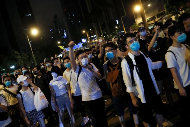 香港反送中遊行的示威者擔憂會被中國大陸盯上,他們極力不留痕跡,避免被政府當局及追蹤系統監控。(路透)