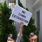 路透:逃犯條例動搖香港金脈 北京向錢低頭