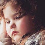 4歲來月經、5歲更年期…她過著「八倍速人生」失去童年