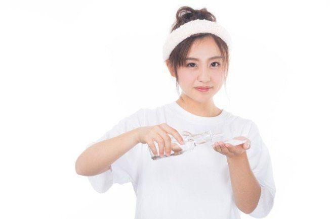 使用化妝水5大誤解 第3種9成人弄錯,雙手拍臉正確嗎?