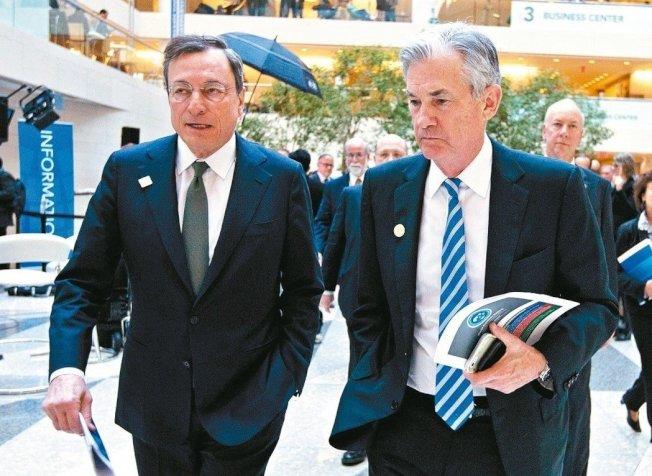 本周進入「超級央行周」,多國將召開會議。圖為Fed主席鮑爾(右)與ECB總裁德拉基。 美聯社