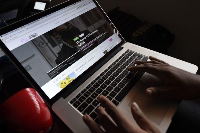 調查顯示,駭客可能利用惡意網站進行預訂旅遊詐騙,不但騙錢還盜走消費者的資料。(Getty Images)