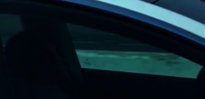 路過的車輛發現該駕駛不只是打瞌睡,而是維持了至少48公里的路程全程閉眼睡著。圖截自: nbc