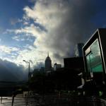 示威者逐漸散去 香港政府總部重新開放