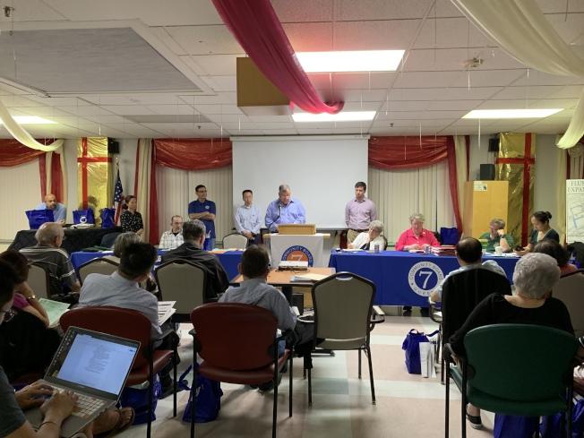 法拉盛商改區擴展計畫17日晚獲第七社委會成員投票通過。(記者賴蕙榆/攝影)