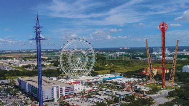 東岸最高的觀景輪「奧蘭多之眼」兩旁將新增世界最高的轉輪及彈跳遊樂設施。(截自視頻)