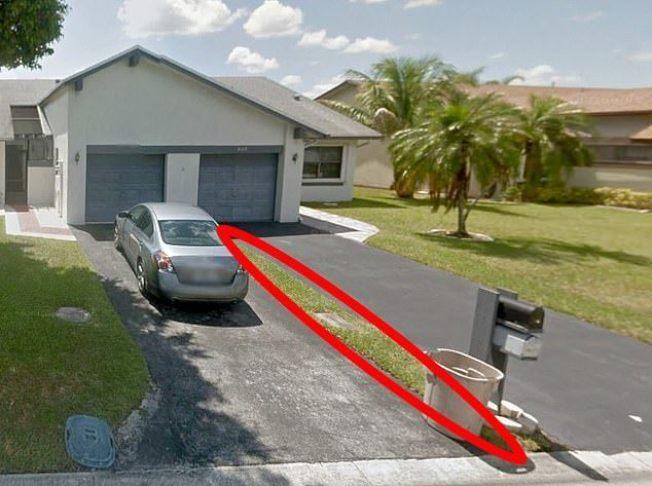 花9100美元買別墅,沒想到只是屋前的一小條草地。圖擷自Daily Mail