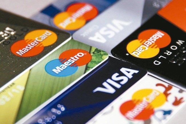 有錢人比較會欠信用卡債,在加州信用卡債排名前十名的城市中,較富裕的南加州橙縣城市,卻占了五個。(聯合新聞網)