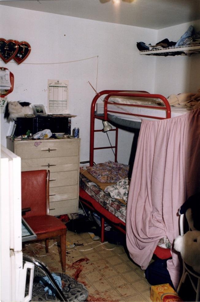 案發現場照片,金樂柳睡在二層床的上鋪。(曼哈頓地區檢察官辦公室提供)