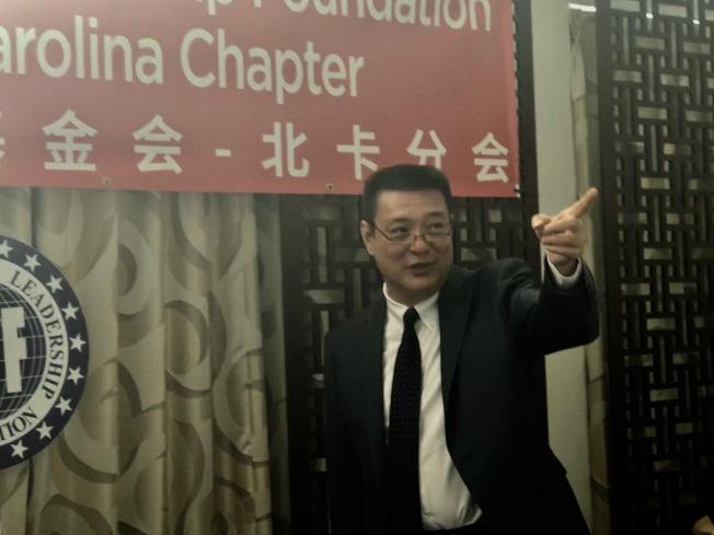 代理行政主任朱小棣介紹該會歷史沿革和使命。(記者王明心/攝影)