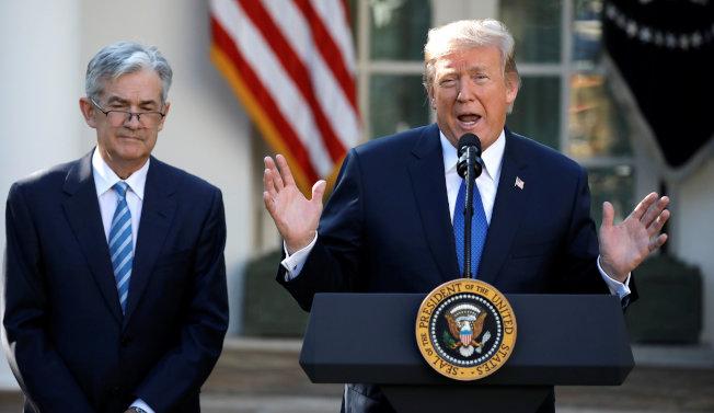 川普總統2017年11月宣布提名鮑爾為新的聯準會主席,如今對鮑爾甚表不滿。(路透)