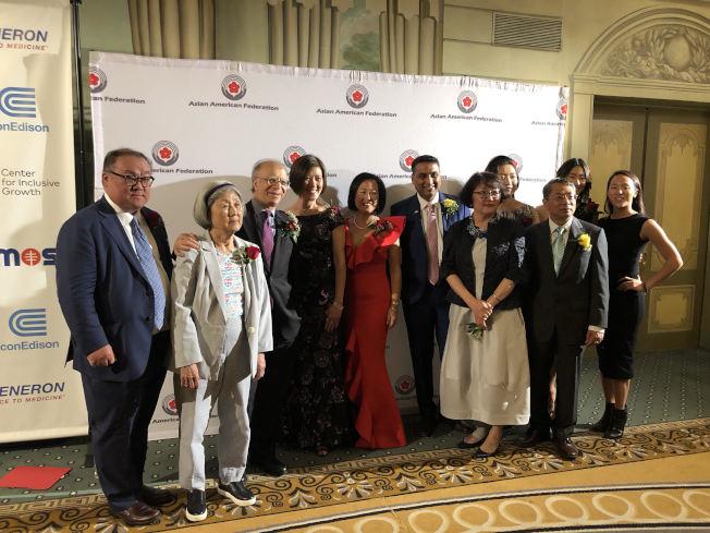 亞美聯盟30周年籌款晚宴,兩名華裔獲頒美國人精神獎。(記者張晨/攝影)
