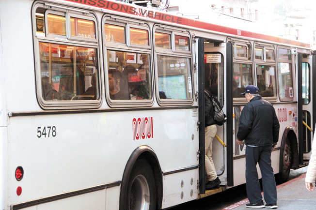金山MUNI公交的車費7月1日開始漲價。(本報檔案照片)