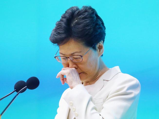 香港行政長官林鄭月娥18日舉行記者會,聲明針對逃犯條例草案處理修例工作不足,負上極大責任,並向市民真誠道歉。(特派記者王騰毅╱攝影)