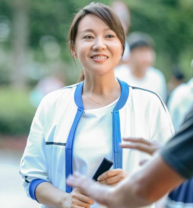 閻妮和張嘉譯這次又是演一對夫妻。(取材自微博)