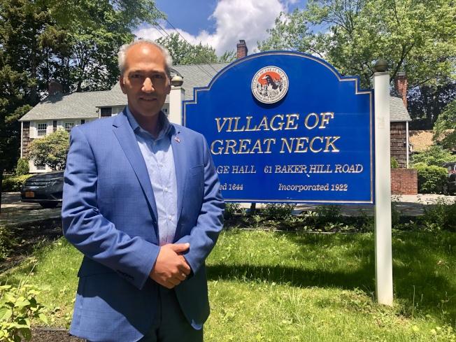 大頸村市長Pedram Bral連任。(本報檔案照)