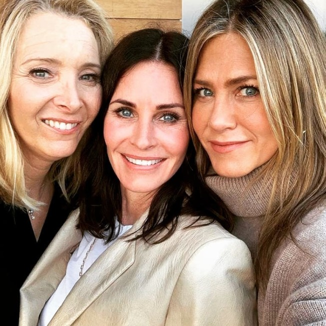 麗莎庫卓(左起)、寇特妮考絲、珍妮佛安妮絲頓都還願意再演「六人行」續篇。圖/摘自Instagram