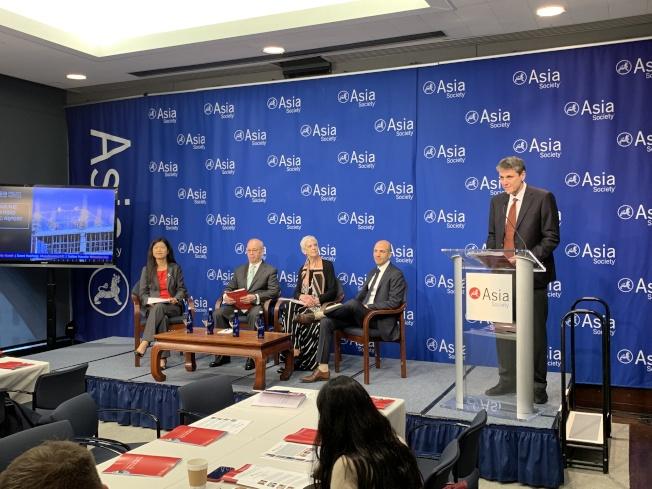 亞洲協會政策研究所20日舉行座談會,公布題為「引導一帶一路項目」的調研報告。(記者和釗宇/攝影)