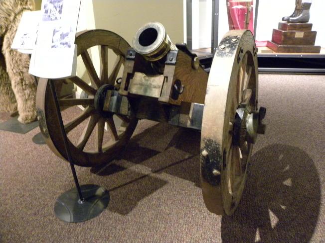 「小約翰II號」侏儒砲。