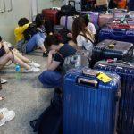 長榮旅客飛不出去 喬機票罵翻 宿機場累癱