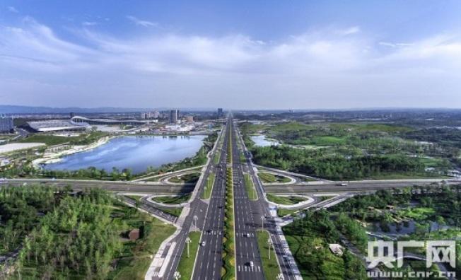 天府新区公园城市的规划周期达30多年,图为天府公园。(取材自央广网)