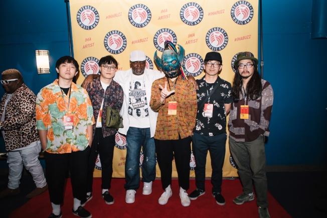 「血肉果汁機」樂團奪得全美獨立音樂大獎的最佳專輯包裝設計獎。圖/血肉果汁機提供