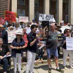 皇后區逾300人集會 反對監獄進社區