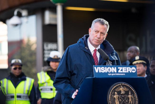 數據顯示,白思豪推行的包括「零死亡願景」在內的改善交通項目收效甚微。(市長辦公室提供)