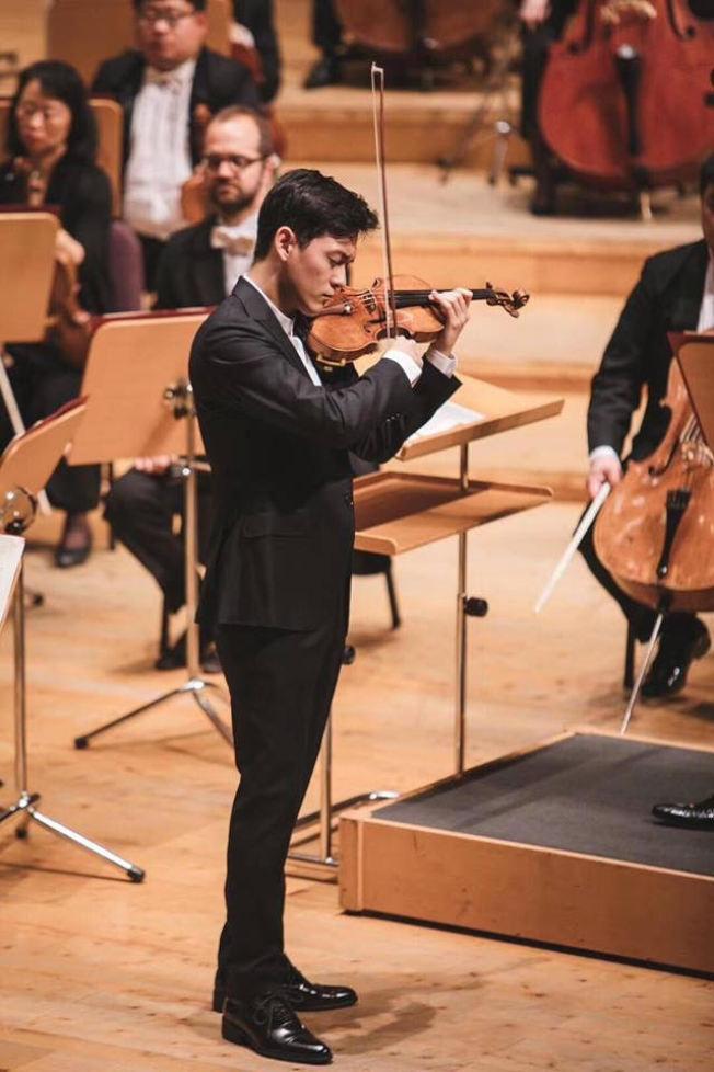 曾宇謙和上海交響樂團演出。(取材自曾宇謙臉書)