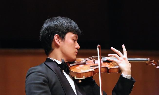 曾宇謙2015年奪得柴可夫斯基音樂大賽小提琴首獎,並從美國費城寇蒂斯音樂學院畢業,拿下多座國際大賽獎項。(圖:中山大學提供)