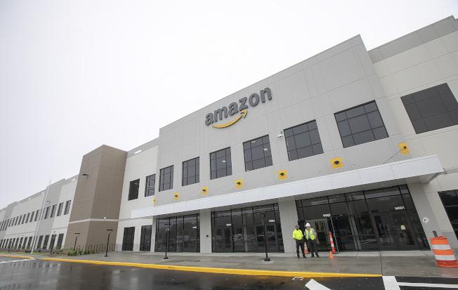 亞馬遜網售因為美中貿易戰,影響開始浮現,銷售量開始減少。(美聯社)