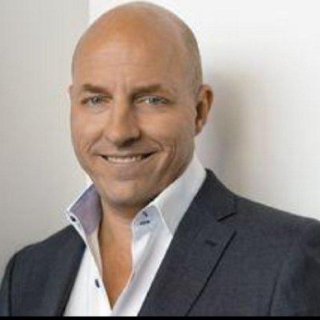 巴利曾獲許多傑出企業家獎,三年前買下Escrow.com並帶領成長。取自巴利(Matt Barrie)推特