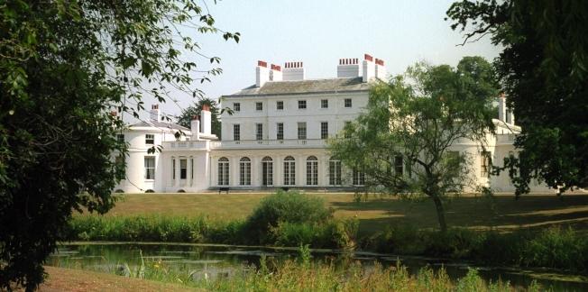 哈利王子與妻子梅根新居「弗洛格摩別墅」,根據25日出爐的年度「君主撥款」(Sovereign Grant)報告,改建費用高達240萬英鎊。(取材自英國王室官網)