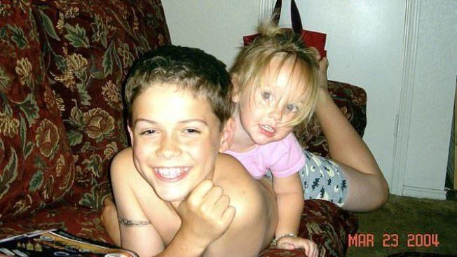 2007年美國德州一名13歲的天才兒童班奈特,由於對母親抱有強烈憤恨,竟然親手殺了年僅4歲的妹妹。圖擷自/dailymail